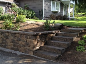 retaining wall steps close
